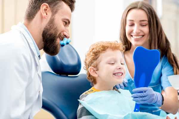 W jakim celu Po co stomatolog dentysta zatruwa zęba?